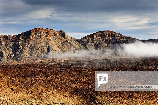 Kraterlandschaft im Teide Nationalpark  UNESCO Weltnaturerbe  Teneriffa  Kanarische Inseln  Spanien  Europa