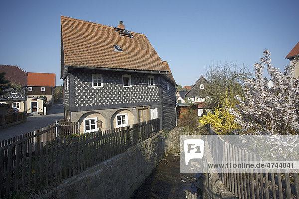 Schunkelhaus  Museum  kleinstes Haus  schief  alt  Umgebindehäuser  Denkmalsort Obercunnersdorf  Sachsen  Deutschland  Europa