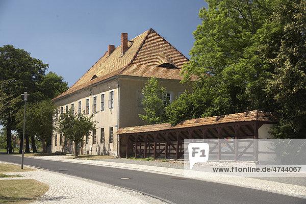 Pfarrhaus mit Marktlaube  Diehsa  Sachsen  Deutschland  Europa