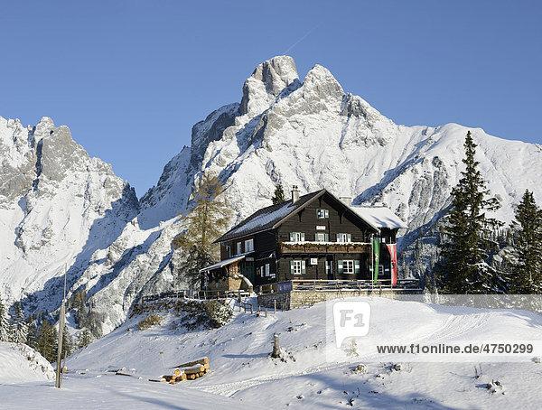 Mödlinger Hütte und Reichenstein  2251m  Gesäuse  Steiermark  Österreich  Europa