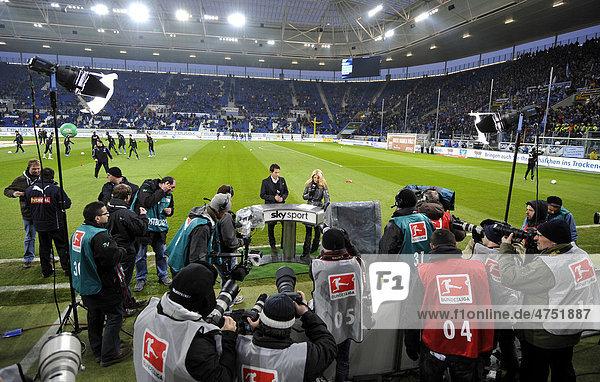 Interview von Jessica KASTROP  SKY  mit Trainer Marco PEZZAIUOLI  TSG 1899 Hoffenheim  vor Pressefotografen und Kameras in der Rhein-Neckar-Arena  Sinsheim  Baden-Württemberg  Deutschland  Europa