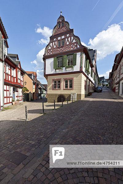 Idstein  Deutsche Fachwerkstraße  Obergasse  Rheingau-Taunus-Kreis  Hessen  Deutschland  Europa