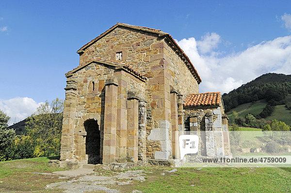 Santa Cristina de Lena  präromanische Kirche  Pola de Lena  Asturias  Asturien  Spanien  Europa