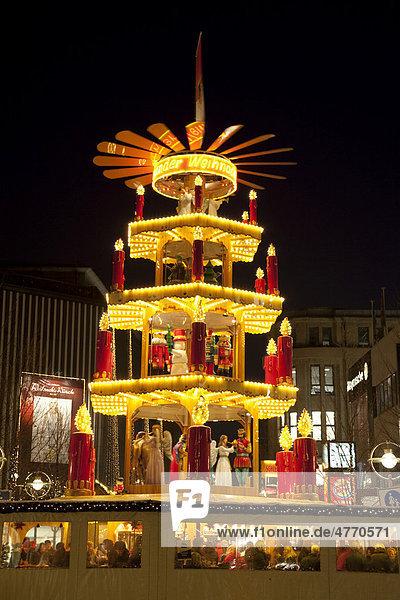 Weihnachtspyramide  Weihnachtsmarkt  Dortmund  Ruhrgebiet  Nordrhein-Westfalen  Deutschland  Europa Weihnachtsmarkt Weihnachtspyramide, Weihnachtsmarkt, Dortmund, Ruhrgebiet, Nordrhein-Westfalen, Deutschland, Europa,Weihnachtsmarkt