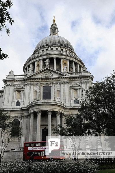 Detail Außenansicht  St Paul's Cathedral  London  England  Großbritannien  Europa