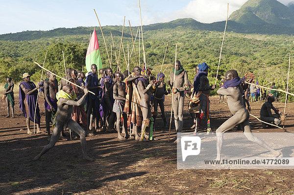 Donga Kämpfer  Surma Volk  Tulgit  Omo-Tal  Äthiopien  Afrika