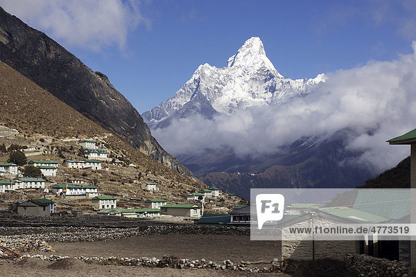 The Sherpa village Kumjung  in the back Mt. Ama Dablam  Khumbu  Sagarmatha National Park  Nepal  Asia