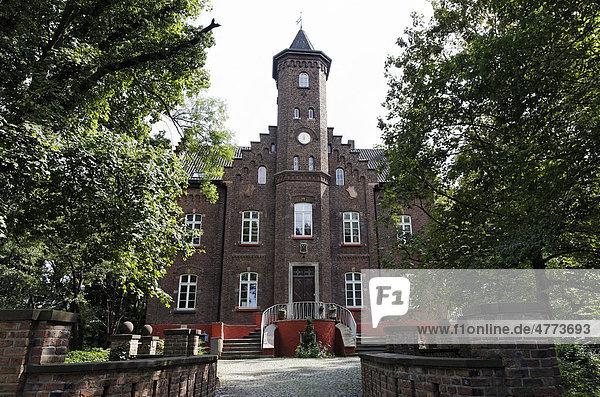 Schloss Reuschenberg  Neuss  Niederrhein  Nordrhein-Westfalen  Deutschland  Europa