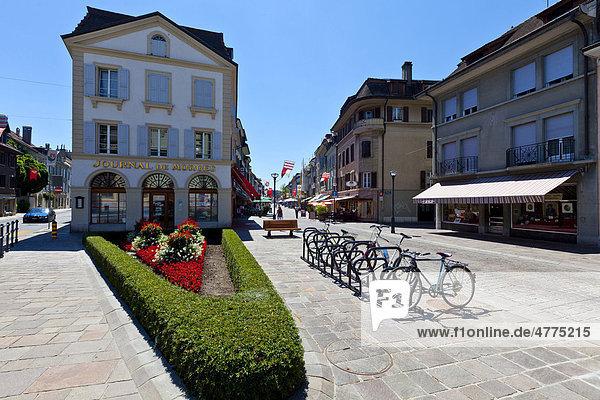 Die Altstadt von Morges  Grand Rue  Kanton Waadt  Genfer See  Schweiz  Europa Kanton Waadt