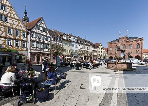 Marktplatz und Rathaus,  Tauberbischofsheim,  Baden-Württemberg,  Deutschland,  Europa