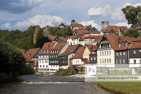 Festung Rosenburg und Altstadt mit Fluss Haßlach  Kronach  Oberfranken  Bayern  Deutschland  Europa