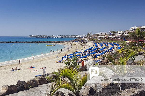 Sandy beach  Playa Dorada  Playa Blanca  Lanzarote  Canary Islands  Spain  Europe