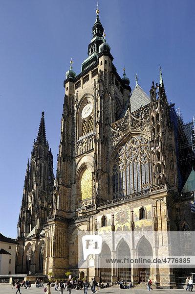Wenzelsturm  Tower of Saint Wenzel  golden portal of the Gothic St. Vitus Cathedral  Prague Castle  Hradcany  Prague  Bohemia  Czech Republic  Europe