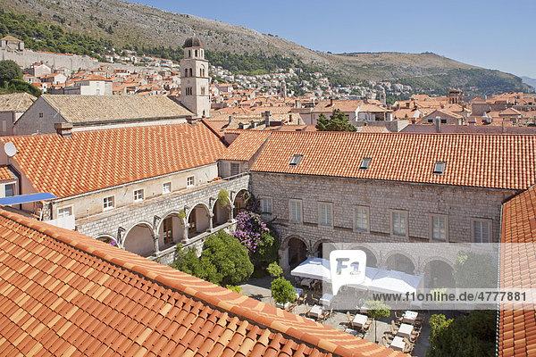 Franziskanerkloster und Kloster Sv. Klara in der Altstadt von Dubrovnik  Süddalmatien  Dalmatien  Adriaküste  Kroatien  Europa