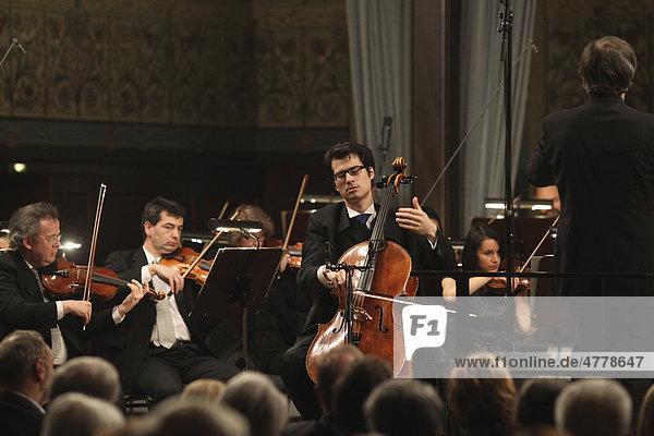 Koblenzer Konzerte  Staatsorchester Rheinische Philharmonie  Dirigent Daniel Raiskin  Danjulo Ishizaka  Violoncello  Koblenz  Rheinland-Pfalz  Deutschland  Europa