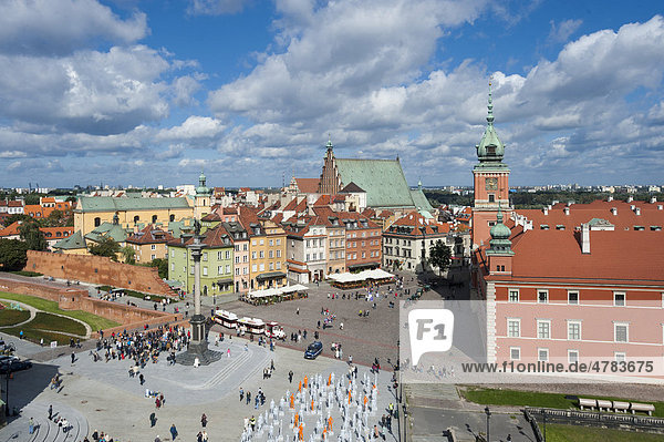 Castle square  Plac Zamkowy  with the Royal Palace  Sigismund's Column  Sv. Jana cathedral and St. Martin's Church  Warsaw  Mazowieckie  Mazury  Poland  Europe