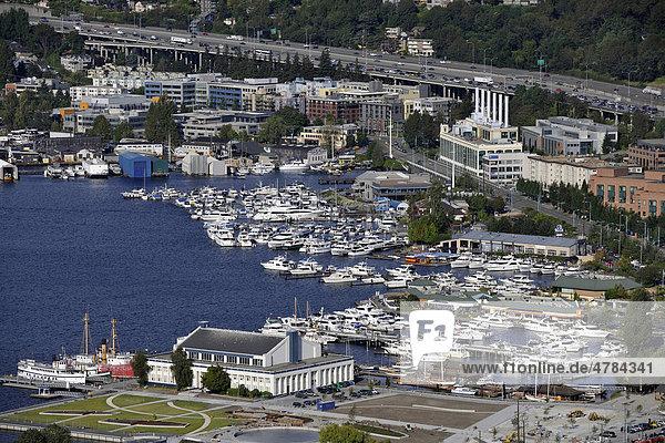 Blick von Space Needle nach Osten  Yachthafen  Union Lake  Seattle  Washington  Vereinigte Staaten von Amerika  USA