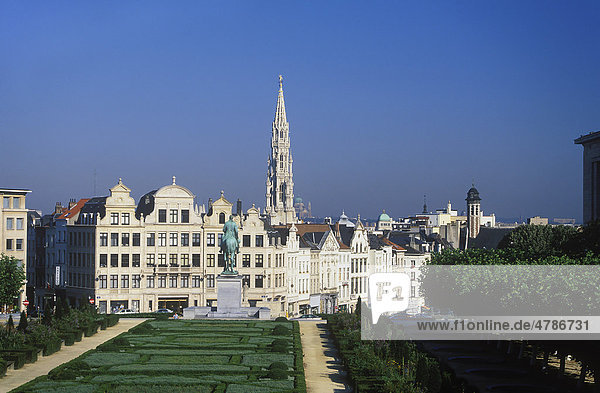 Blick vom Mont des Arts  Kunstberg auf die Unterstadt von Brüssel  Belgien  Europa