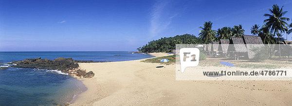 Bungalow-Hotel am Sandstrand  Klong Nin Beach  Insel Ko Lanta  Krabi  Thailand  Südostasien