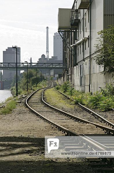 Ein Teil des Rheinhafens in Krefeld Uerdingen  Nordrhein-Westfalen  Deutschland  Europa