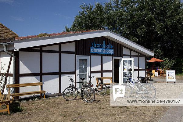 Strandhalle  Ostseebad Ahrenshoop  Fischland  Mecklenburg-Vorpommern  Deutschland  Europa