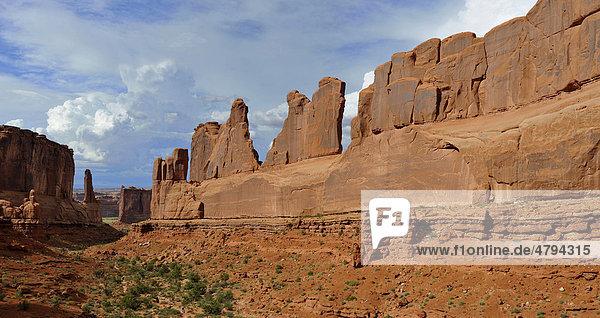 Felsformation Tower of Babel  Park Avenue Trail  Arches Nationalpark  Moab  Utah  Südwesten  Vereinigte Staaten von Amerika  USA
