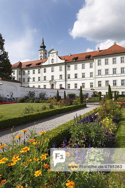 Prälatengarten  Kloster Schäftlarn  Oberbayern  Bayern  Deutschland  Europa
