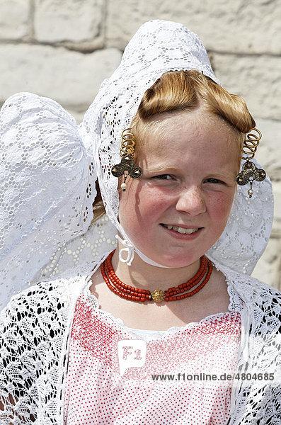Girl wearing traditional costume of the Zeeland province  Middelburg  Walcheren peninsula  Netherlands  Benelux  Europe