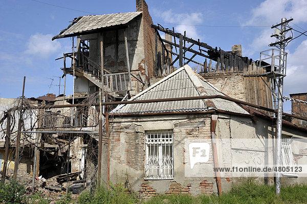 Altes Haus nach Brand  Stadtteil Avlabari  Tiflis  Georgien  Vorderasien