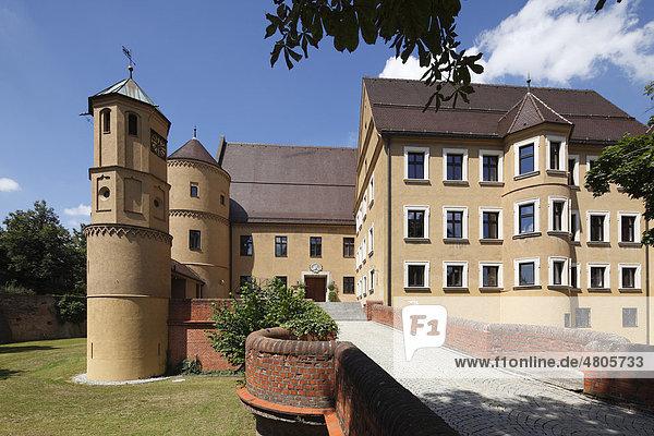 Rathaus im Schloss Wertingen  Donauried  Schwaben  Bayern  Deutschland  Europa