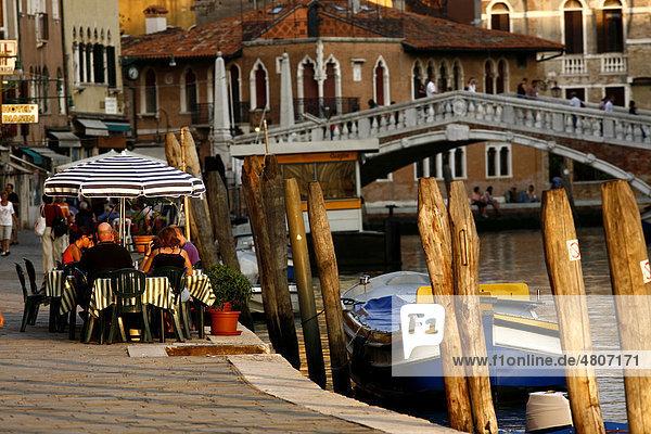 Restaurant am Kanal von Cannaregio  Venedig  Venetien  Italien  Europa