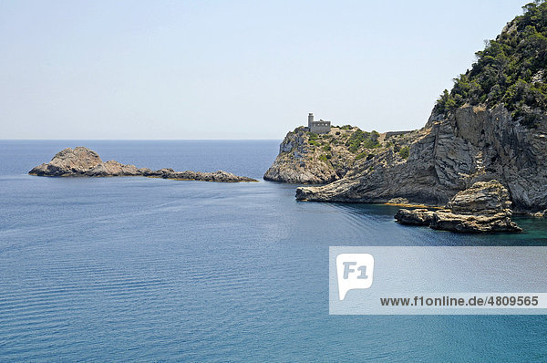 Leuchtturm  Felsenküste  Punta Grossa  Cala de San Vicente  Ibiza  Pityusen  Balearen  Insel  Spanien  Europa