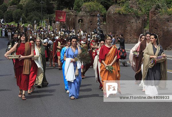 Historischer Umzug  Rom  Italien  Europa