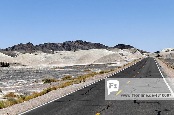 State Highway 178 in Death Valley  Death Valley National Park  California  USA  North America