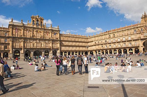 Plaza Mayor  Barock  errichtet 1755 von Baumeister Alberto de Churriguera  Salamanca  Altkastilien  Castilla-LeÛn  Spanien  Europa