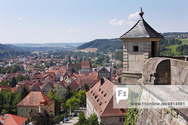 Blick von Festung Rosenberg über Kronach  Oberfranken  Franken  Bayern  Deutschland  Europa