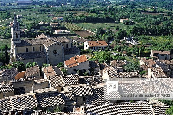Rooftops of the buildings in Bonnieux Village and the surrounding landscape  Luberon  Provence  France