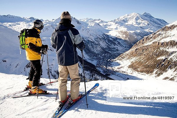Skiers in Val D´Isère  Alpes  Savoie  France