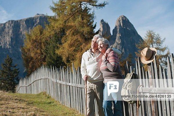 Italien,  Südtirol,  Reife Paarwanderungen auf Dolomiten