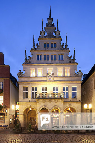 Historic Stadtweinhaus  City Wine House  Prinzipalmarkt square  Muenster  Westphalia  North Rhine-Westphalia  Germany  Europe