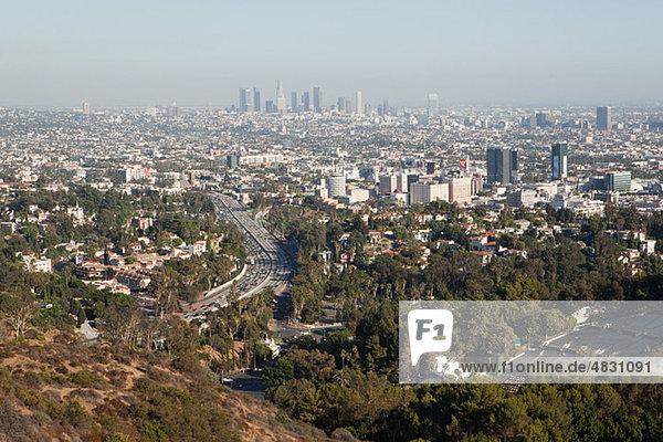 Hollywood Hills und Downtown LA  Los Angeles County  Kalifornien  USA