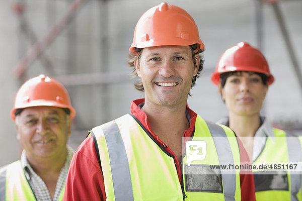Architekt und Bauarbeiter