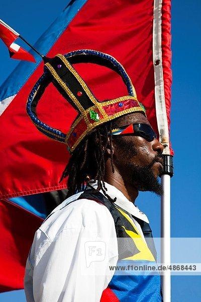 hoch  oben  Mann  Tag  Fest  festlich  Kleidung  Kostüm - Faschingskostüm  Unabhängigkeit