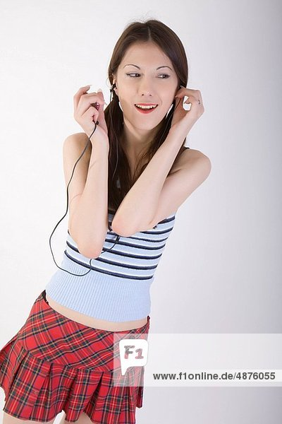 junge Frau Musikhören