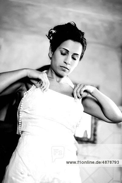 Braut  Hilfe  Kleid  Freund