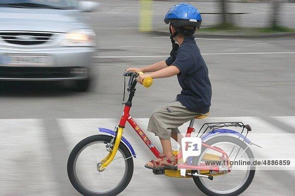 überqueren  Fahrrad  Rad  Fußgänger