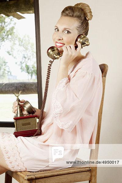 Frau sprechen Telefon Frau,sprechen,Telefon