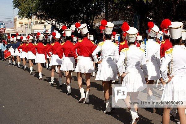 Tag  Fest  festlich  gehen  Mädchen  Argentinien  Unabhängigkeit