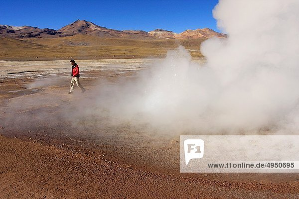 Drehzahlmesser  Berg  4  über  Geysir  Meer  Feld  Entdeckung  Anden  Atacama  El Tatio  200  80
