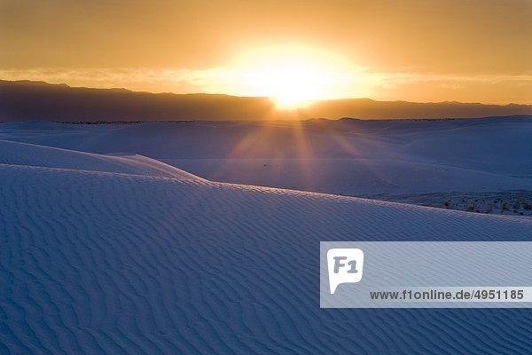 Sonnenuntergang über White Sands National Monument